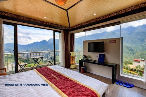 Cảnh núi rừng hoặc tầm nhìn ra núi từ khách sạn