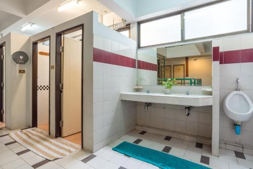 Un baño de New Siam 1 Guest House