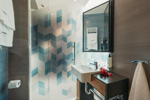 A bathroom at Avena Boutique Hotel by Artery Hotels