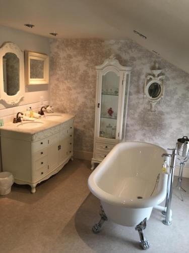 A bathroom at Lilly's Pad