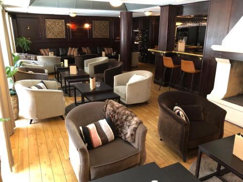 Loungen eller baren på Best Western Plus Edward Hotel