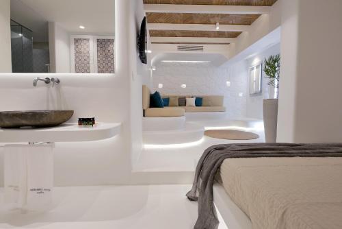 A bathroom at Andronikos Hotel