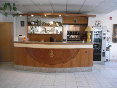 The lounge or bar area at Hôtel Sampiero