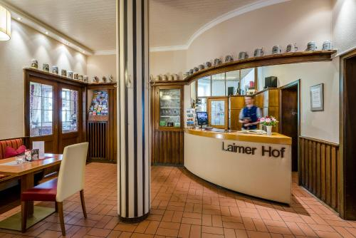 The lobby or reception area at Laimer Hof am Schloss Nymphenburg