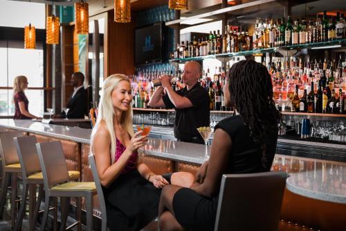 The lounge or bar area at Harborside Inn