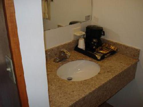 A bathroom at Harbor Base Inn
