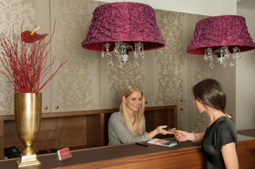 The lobby or reception area at Pertschy Palais Hotel