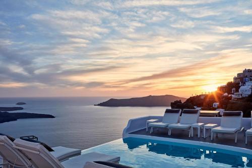 Piscina en o cerca de Katikies Chromata Santorini - The Leading Hotels of the World