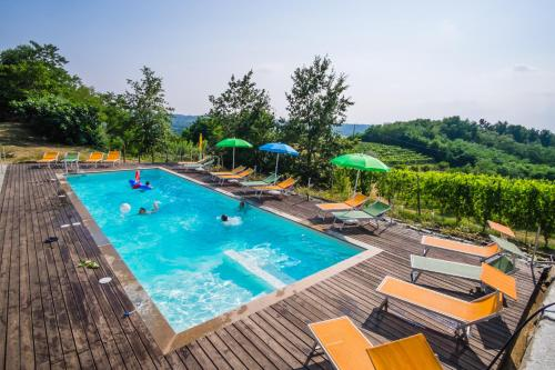 The swimming pool at or near Agriturismo Cascina Ponchietta