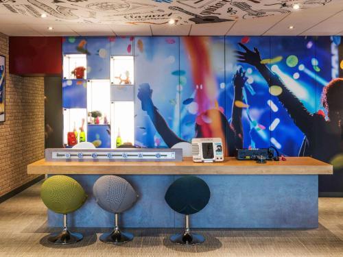 Hall ou réception de l'établissement ibis Reims Centre Gare