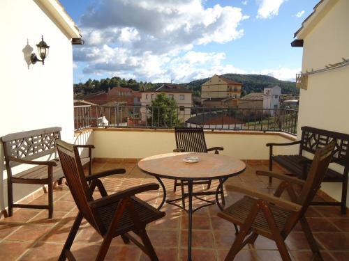 Un balcón o terraza de Hostal Casa Laure y Mª Jose
