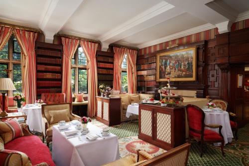 マイルストーン ホテル ケンジントンにあるレストランまたは飲食店
