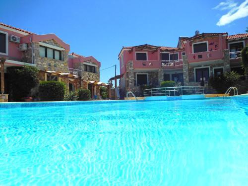 Πισίνα στο ή κοντά στο Aeolis Apartments & Studios