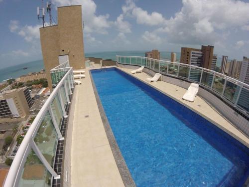Vista sulla piscina di Studio Iracema o su una piscina nei dintorni