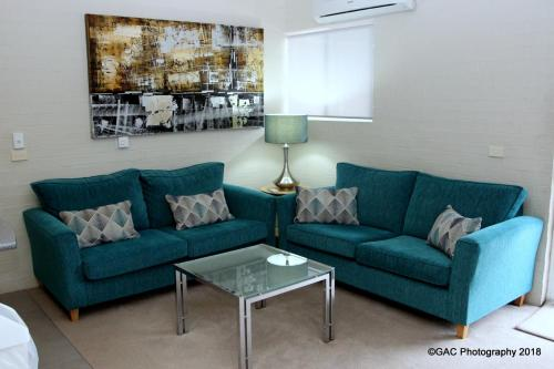 A seating area at Mollymook Cove Apartments