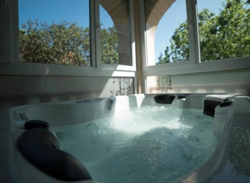Ett badrum på Hotel Continental Valldemossa