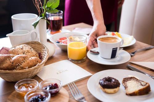 Frühstücksoptionen für Gäste der Unterkunft Hotel Zach