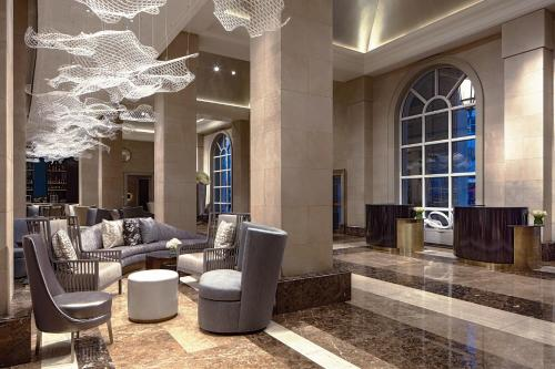 The lobby or reception area at Hotel Crescent Court