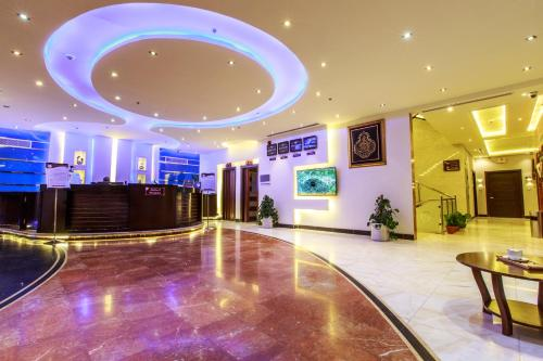 O saguão ou recepção de Manazil Al Dhayf