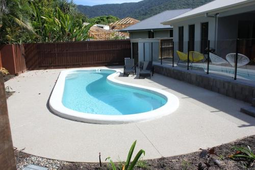 The swimming pool at or near Oceans Edge Reef Retreat