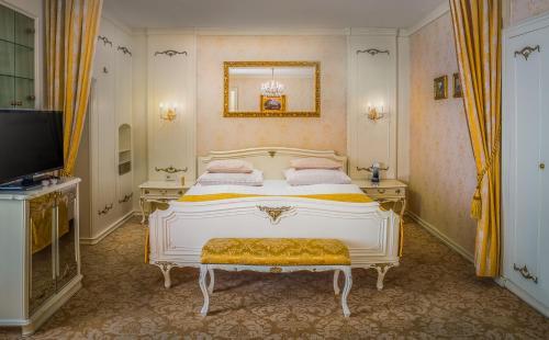 Cama o camas de una habitación en Schlosshotel Römischer Kaiser