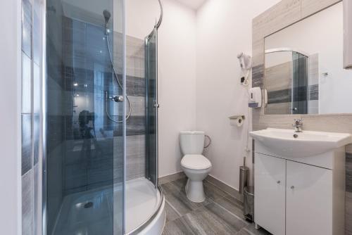 Łazienka w obiekcie 70s Hostel