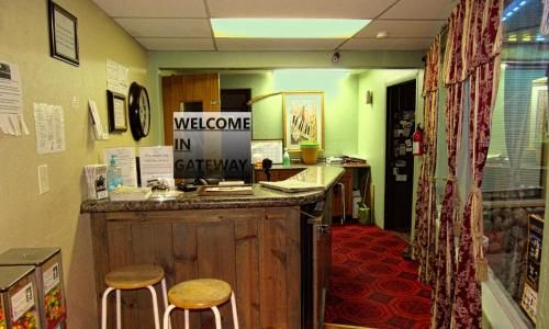 The lobby or reception area at Gateway Lodge