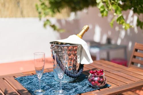 Drinks at Belém Vintage with Superb Private Terrace