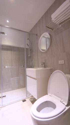 A bathroom at 810 Kinmen
