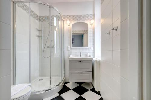 A bathroom at 3 City Apartments - Solaro