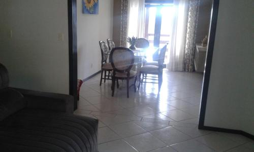 A seating area at Segundo Lar