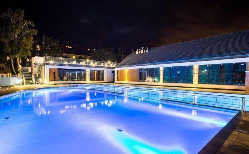 The swimming pool at or near Apartament morski