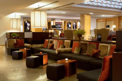 The lounge or bar area at Starhotels Metropole