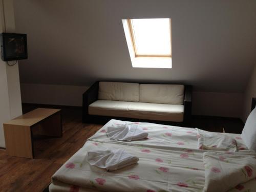 Легло или легла в стая в Хотел Камелот