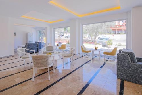 A seating area at Ekici Hotel