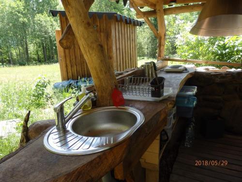 Köök või kööginurk majutusasutuses Karu Treehouse