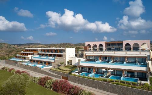 Ein Blick auf den Pool von der Unterkunft Boutique 5 Hotel & Spa - Adults Only oder aus der Nähe