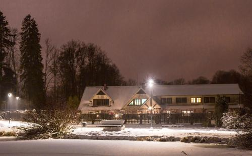 Park Hotel Bruzis ziemā
