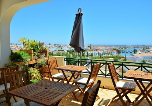 A balcony or terrace at Tavira Terrace