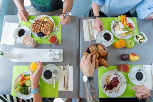 Breakfast options available to guests at Ku'Damm 101 Hotel
