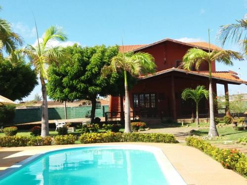 A piscina localizada em Pousada Cultural Canto dos Poetas ou nos arredores