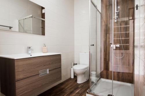 A bathroom at Ardmar B&B