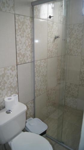 A bathroom at Hotel Pousada dos Anjos