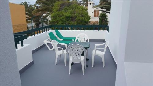 Un balcón o terraza de Apartamentos Erika - Adults Only