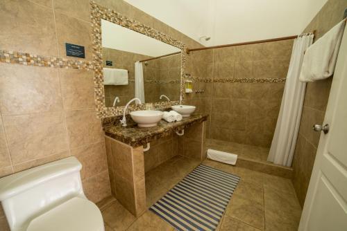 Ein Badezimmer in der Unterkunft Hotel Albemarle