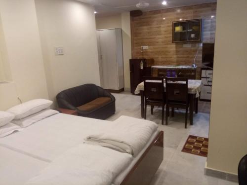 Service Apartments, Park Street, Calcutta