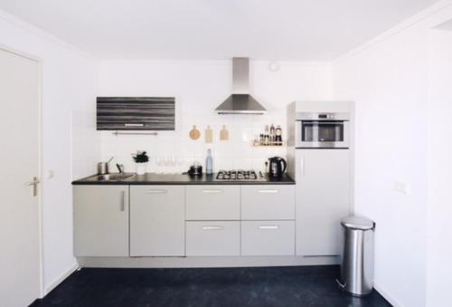 A kitchen or kitchenette at Aparthotel Le Provence