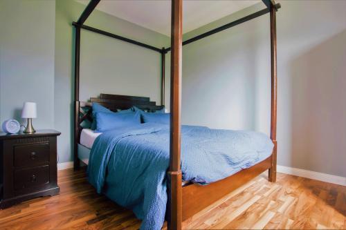Een bed of bedden in een kamer bij Haus Moselwiese