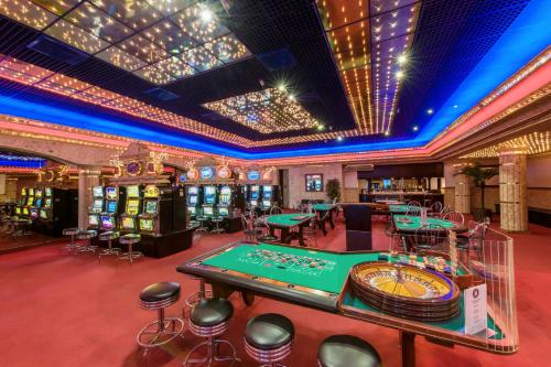 A casino in the resort or nearby