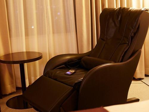 A seating area at Hotel New Otani Takaoka